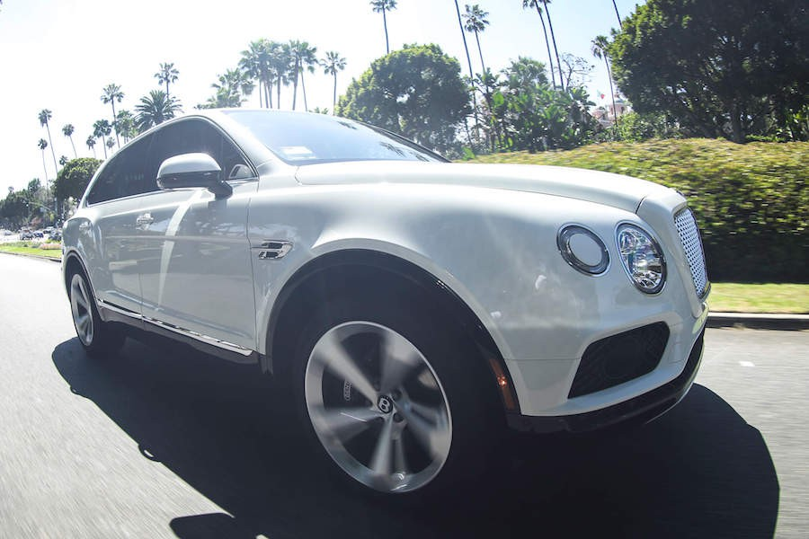 rent White Bentley Bentayga