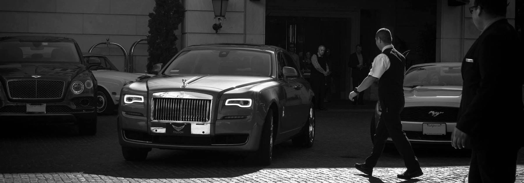 British Encounter: Rolls-Royce VS Bentley